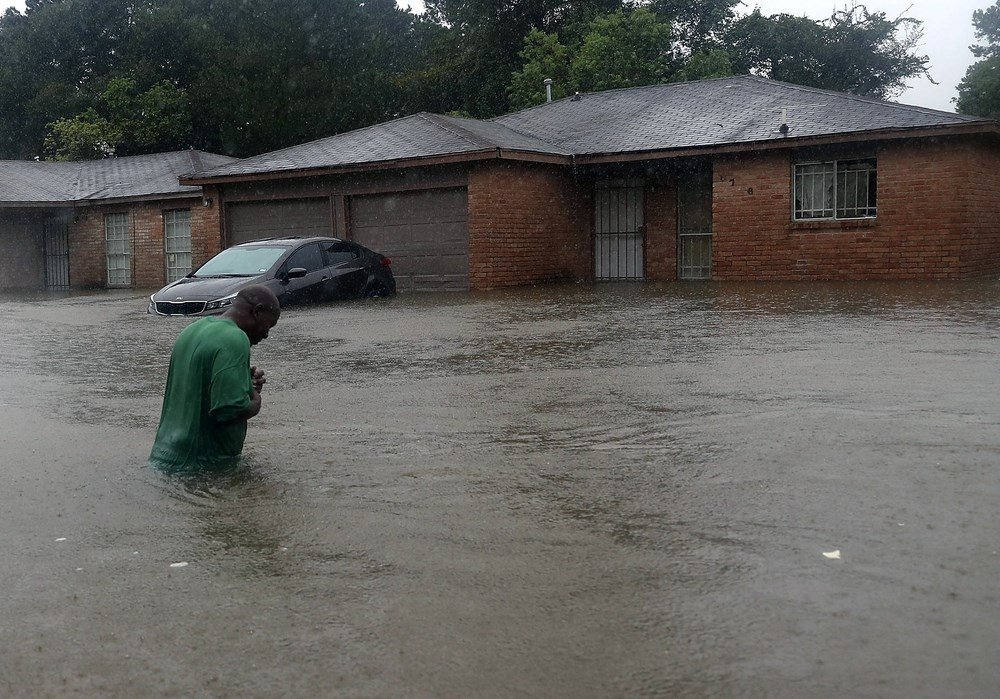 Levee South of Houston Breached, Residents Told to