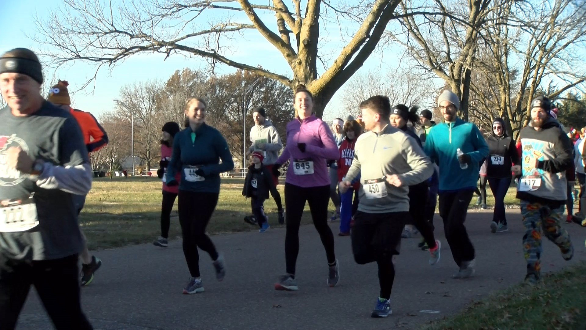 122nd Turkey Trot draws thousands for YMCA's biggest fundraiser