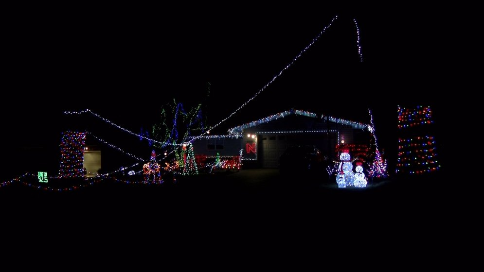 Christmas is just a week away, and homeowners around Lincoln are going  all–out on this year's holiday displays. - MAP: Holiday Lights In Lincoln - KLKN-TV: News, Weather And Sports