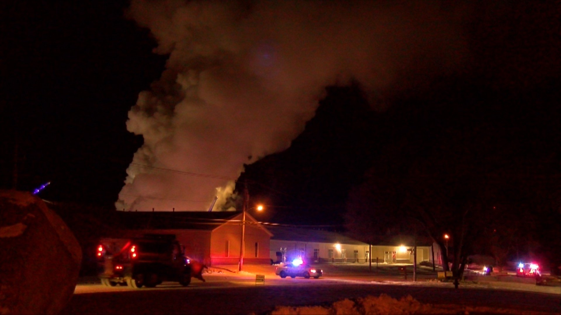 Firefighter injured fighting Tuesday night structure fire in Lincoln