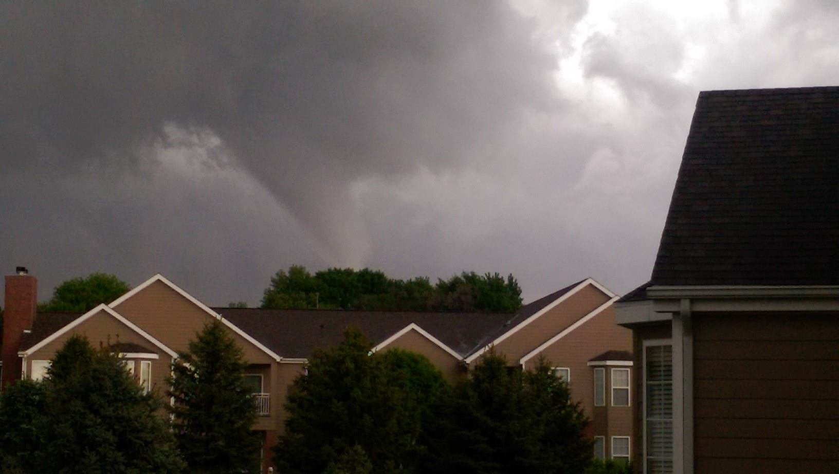 tornado touches down in lincoln
