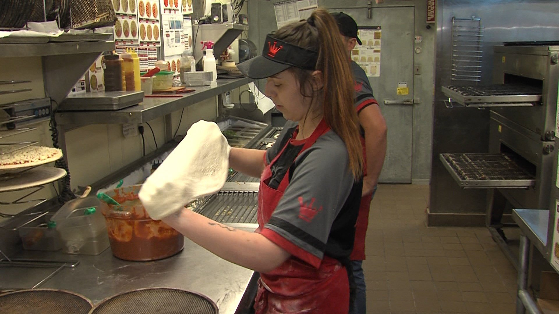 lincoln woman heading to national pizza tossing