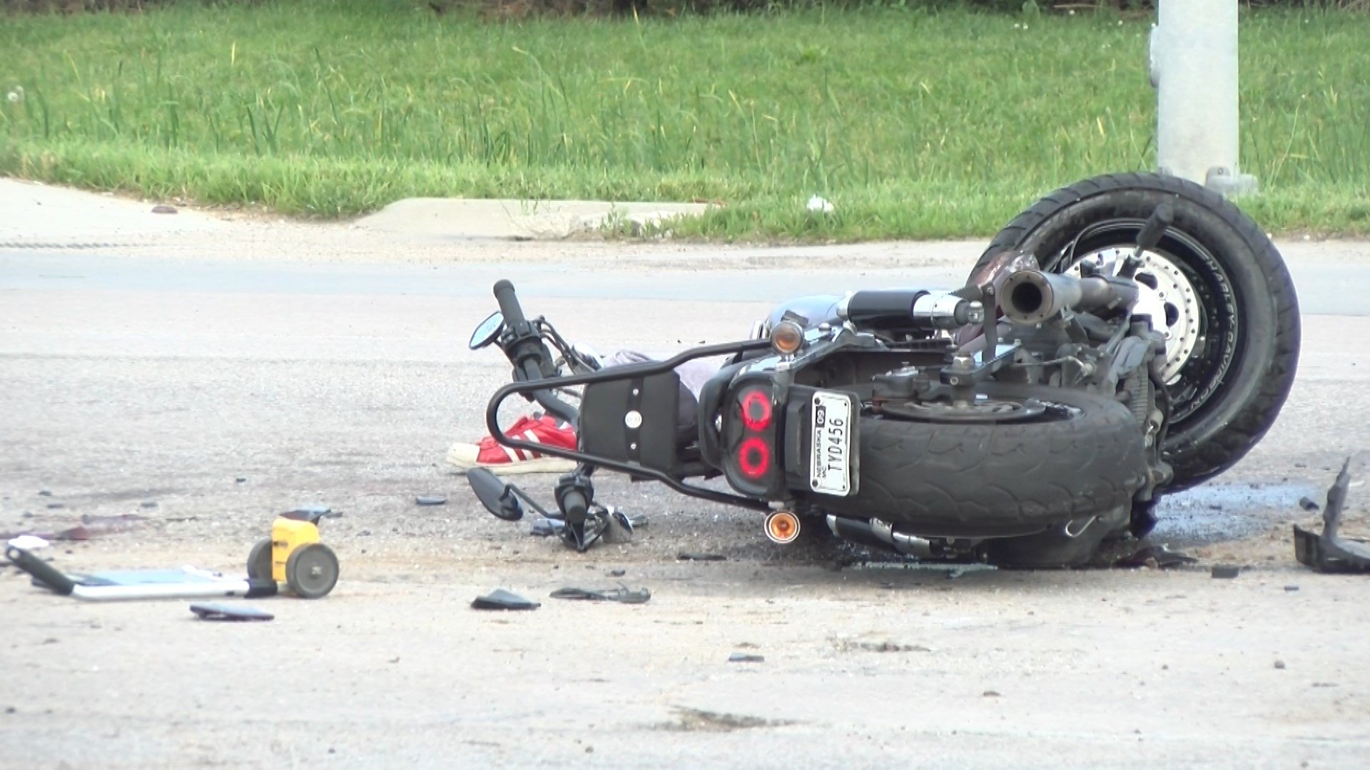 Motorcycle crash in Lincoln leaves man in critical condition - KLKN